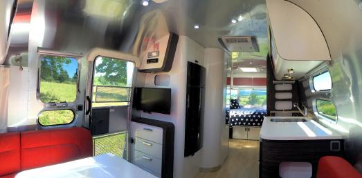 Airstream Sondermodell Blick nach hinten