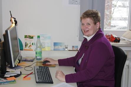Claudia Haas unterstützt freiwillig den Nationalpark / © Nationalparkverwaltung Nds. Wattenmeer