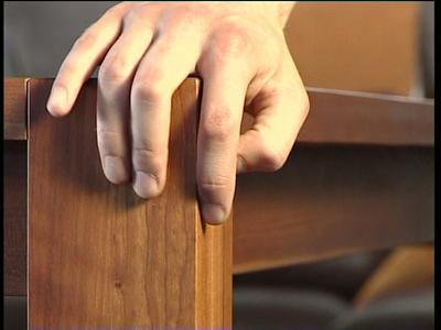 Natürlich behandeltes Holz, fühlbar gut.