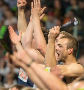 (Foto: HJKrieg, hl-studios, Erlangen) - Die HC-Fans freuen sich auf das Spiel gegen Rimpar