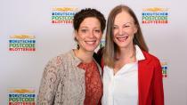 Verena Platt-Till und Angelika Gebhard (2. Vorsitzende der GRD)  auf der Charity Gala der Deutschen Postcode Lotterie in Düsseldorf