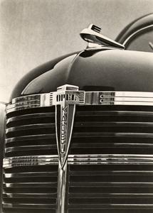 Art-Deco-Kühlergrill: Bei diesem 1938er Kadett sucht man noch den Opel-Blitz vergebens, der gehörte vor dem Krieg ausschließlich zum gleichnamigen Lkw