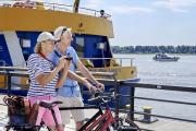 Die Stadt Wedel liegt am westlichen Rand der Metropole Hamburg und ist bekannt für die Schiffsbegrüßungsanlage Willkomm-Höft.