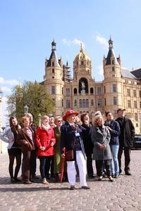 Gruppenführungen vor dem Schloss