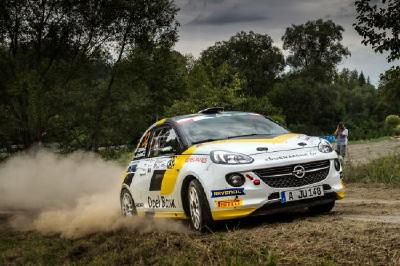 Spitzenreiter: Insgesamt gingen 2017 sieben internationale und nationale Meistertitel sowie 48 Klassensiege auf das Konto des 190 PS starken Opel ADAM R2.