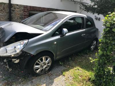 Unfallwagen verkaufen von der kleinen Beule bis zum Totalschaden in Aachen