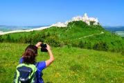 Quer durch die Karpaten geht es zu mehreren Weltkulturerbestätten. Eine davon ist die Zipser Burg