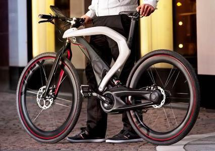 Die E-Bike-Designstudie RAD e (Bild) ergänzt die Opel-Vision von urbaner Mobilität und erinnert im Jahr des 150. Firmenjubiläums an die Ursprünge des Automobil- und ehemals weltgrößten Fahrradherstellers