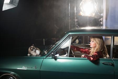 "Stars and cars: ""Grumpy Cat"", Georgia May Jagger and beautiful cars take center stage in the new calendar ""Opel Wonderland of Dreams"""
