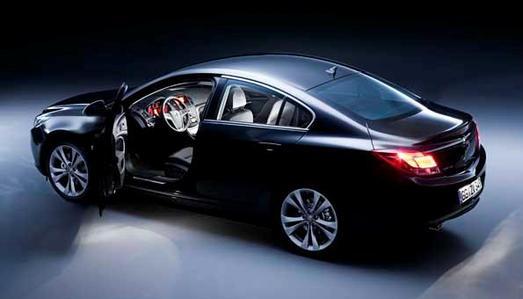 """Opel Insignia gewinnt den renommierten """"red dot design award"""""""