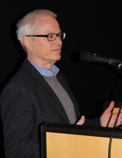 Hans Dieter Herget freute sich über die große Resonanz in der Veranstaltung mit Professor Dr. Hinte in der Lauterbacher Sparkassen-Aula. Foto: Erich Ruhl-Bady