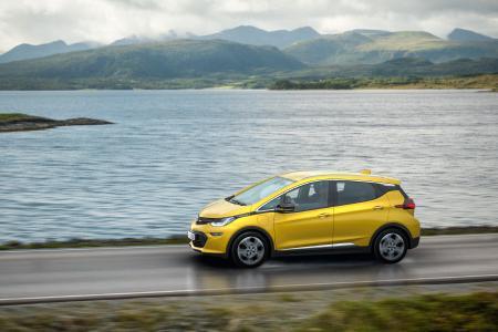 Opel Ampera-e: Das neue Elektroauto mit der Riesenreichweite feiert in Paris Weltpremiere