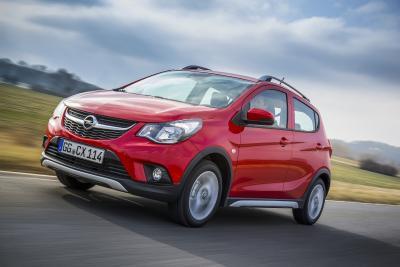 Opel-Jahresrückblick 2017: Kerniger Kleinwagen: Der Opel KARL ROCKS vermittelt Offroad-Feeling