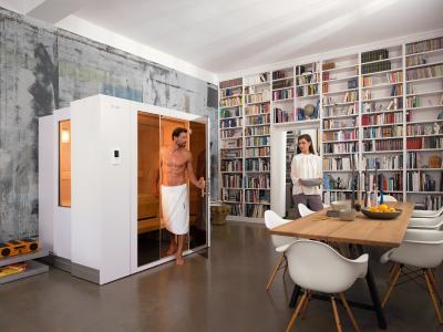 Die positiven Wirkungen regelmäßiger Saunagänge lassen sich mit der Zoom-Sauna S1 von KLAFS besonders leicht in die eigenen vier Wände holen. Der führende Hersteller im Bereich Sauna, Pool und Spa bietet darüber hinaus aber auch viele andere attraktive Saunamodelle für jede Raumsituation und jeden Anspruch / Foto: KLAFS GmbH & Co. KG