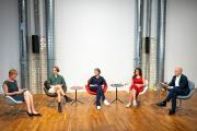 Die Talkrunde des zweiten Veranstaltungstags trug den Titel Hybride Räume: Perspektiven für eine nachhaltige (Innen-) Architektur. Foto: Heinze GmbH / Christian Stallknecht