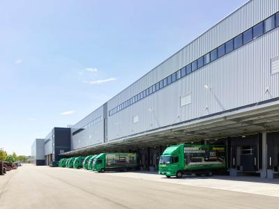 Das neue Reisser Logistikzentrum in Böblingen: 38.000 Quadratmeter ist der Gebäudekomplex groß, der aus mehreren Lagerbereichen besteht