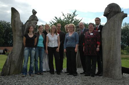 Die Preisträger und Jury-Mitglieder des Klaus-Bahlsen-Preises im Kreis vereint