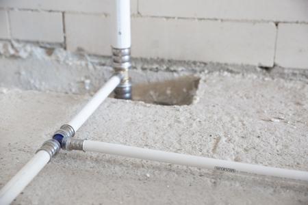 EasyPipe V bietet verschiedene Vorteile. Vor allem wird Installateuren auf der Baustelle das Arbeiten deutlich erleichtert.
