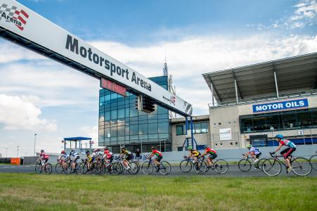 Radsportler in der Arena