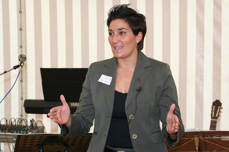 Daniela A. Ben Said aus Osnabrück begeisterte rund 150 Zuhörerinnen beim Frauentag in der Handwerkskammer mehr als zwei Stunden lang