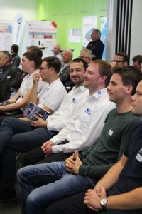 Gut gelaunte Teilnehmer der Veranstaltung. Quelle: TH Wildau / Bernd Schlütter