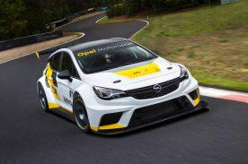 For customer racing: The Opel Astra TCR combines ultra-modern racing technology with an effective safety concept.