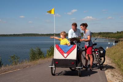 Familienradtour am Senftenberger See, Foto: Tourismusverband Lausitzer Seenland, Nada Quenzel