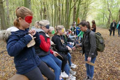 Neue Profis für die Waldpädagogik