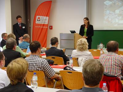 FH-Präsidentin Dr. Muriel Helbig und Prof. Dr. Andreas Hanemann, FH Lübeck bei der Begrüßung (Foto: Pressestelle FH Lübeck)