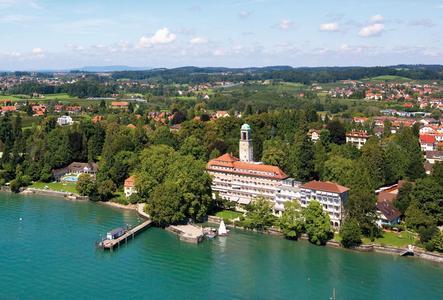 Zentrales Kongresshotel ist das altehrwürdige Hotel Bad Schachen in Lindau