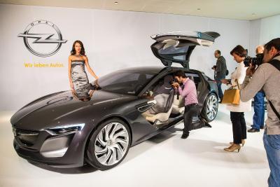 2013 Opel Monza debut IAA Frankfurt