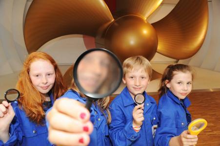 Familienführungen im Besucherzentrum der Meyer Werft: Sommerprogramm verlängert