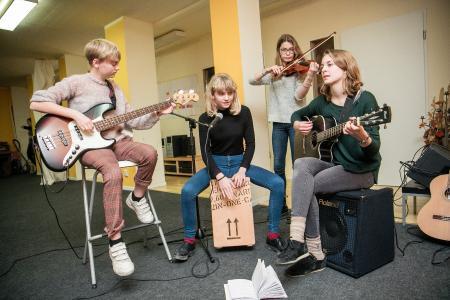 Musizieren als Freizeitbeschäftigung unter Jugendlichen immer beliebter / Foto: SOMM/Markus Nass