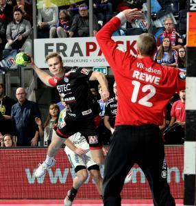 HC Erlangen - Christopher Bissel mit Spielfreude und fünf Treffern dabei (Foto: HJKrieg, Erlangen)