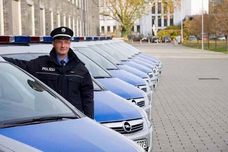 100 weitere Opel Zafira werden in den Dienst der hessischen Polizei gestellt