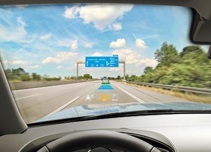 Dialog ohne Worte: Head-up Displays erobern das Sichtfeld der Autofahrer