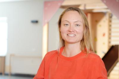 Die Ergotherapeutin Anne-Mareike Göbel nutzt jede Chance, um Menschen aus dem Wachkoma zu holen.  (© DVE)