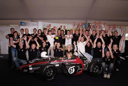 Das Ignition Racing Team der FH Osnabrück feiert seinen Erfolg in Hockenheim