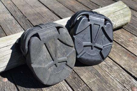 Swiss Galoppers - Nach 1000 Kilometer schaut der Schuh wie links im Bild aus