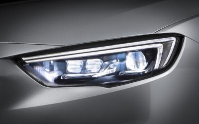 Opel Insignia IntelliLux LED matrix light