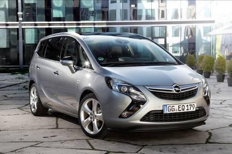 """Der neue Opel Zafira Tourer siegte bei der Autonis Leserwahl """"Die schönsten Autos 2011"""": Dabei distanzierte der Zafira Tourer die Wettbewerber deutlich"""