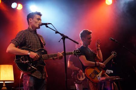 """Live zu Gast: Die Siegerband aus dem Vorjahr Leaves & Trees steht auch beim diesjährigen Band-Contest """"Musikrausch"""" auf der Bühne"""