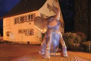 Der Gitzenweiler Hof trauert um den Erschaffer des bronzenen Elefanten. Imre Vargas Skulptur am GITZ stand Pate für das Maskottchen FANY
