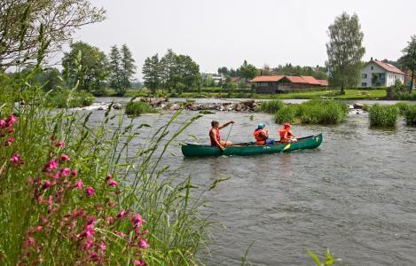 Kanuten bei Wiesing / Foto: obx-news/Ostbayern Tourismus/Gruber