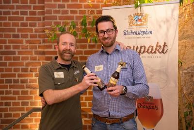 Scott Jennings (Sierra Nevada) und Tobias Zollo (Brauerei Weihenstephan) bei der Vorstellung des neuen Bieres.