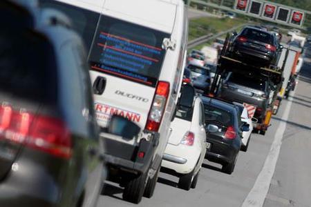 Nicht dann fahren, wenn alle fahren: Clevere Routenplanung hilft gegen die Staufalle