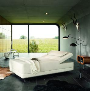 power napping on sway the new relaxation lounger by klafs klafs gmbh co kg pressemitteilung. Black Bedroom Furniture Sets. Home Design Ideas