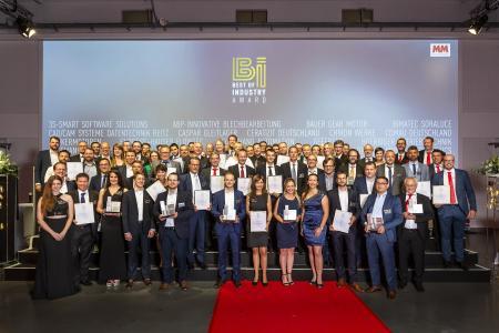 """""""Best of Industry""""-Award 2019: Die Nominierten und Sieger freuen sich über die Auszeichnung / Bild: S. Bausewein / Vogel Communications Group"""