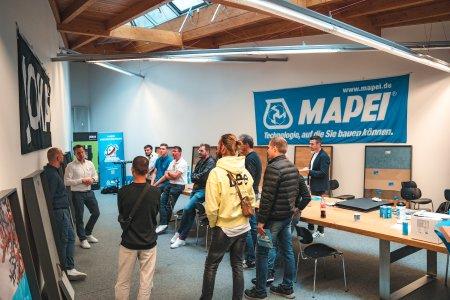Sanierungskonzepte zum Anfassen haben die Spezialisten von W. & L. Jordan mit der Marke JOKA und die MAPEI GmbH mit der Marke MAPEI den Besuchern der ersten Sanierungsgalerie präsentiert.