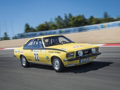 Erfolgspilot: Opel-Markenbotschafter und 24 Stunden von Le Mans-Sieger Joachim Winkelhock fährt den Opel Commodore B GS/E auf der Silvretta Classic